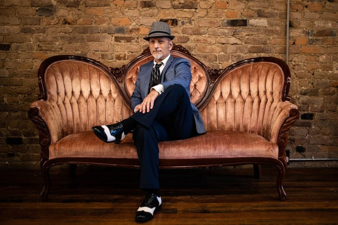 """The Southern Crooner Makky Kaylor will celebrate """"Swanky South Day"""" this Thursday at Puckett's, which will include a proclamation by Mayor Andy Ogles and a preview of Kaylor's upcoming appearance on RFD-TV's """"Larry's Country Diner."""""""