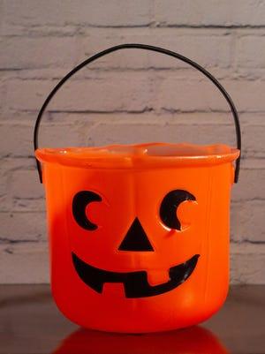 Pumpkin treat container