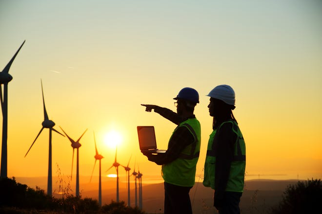 As Wisconsin races to take its place as a leader in renewable energy in the coming years, organized construction workers are doing impressive work to enable the burgeoning movement.
