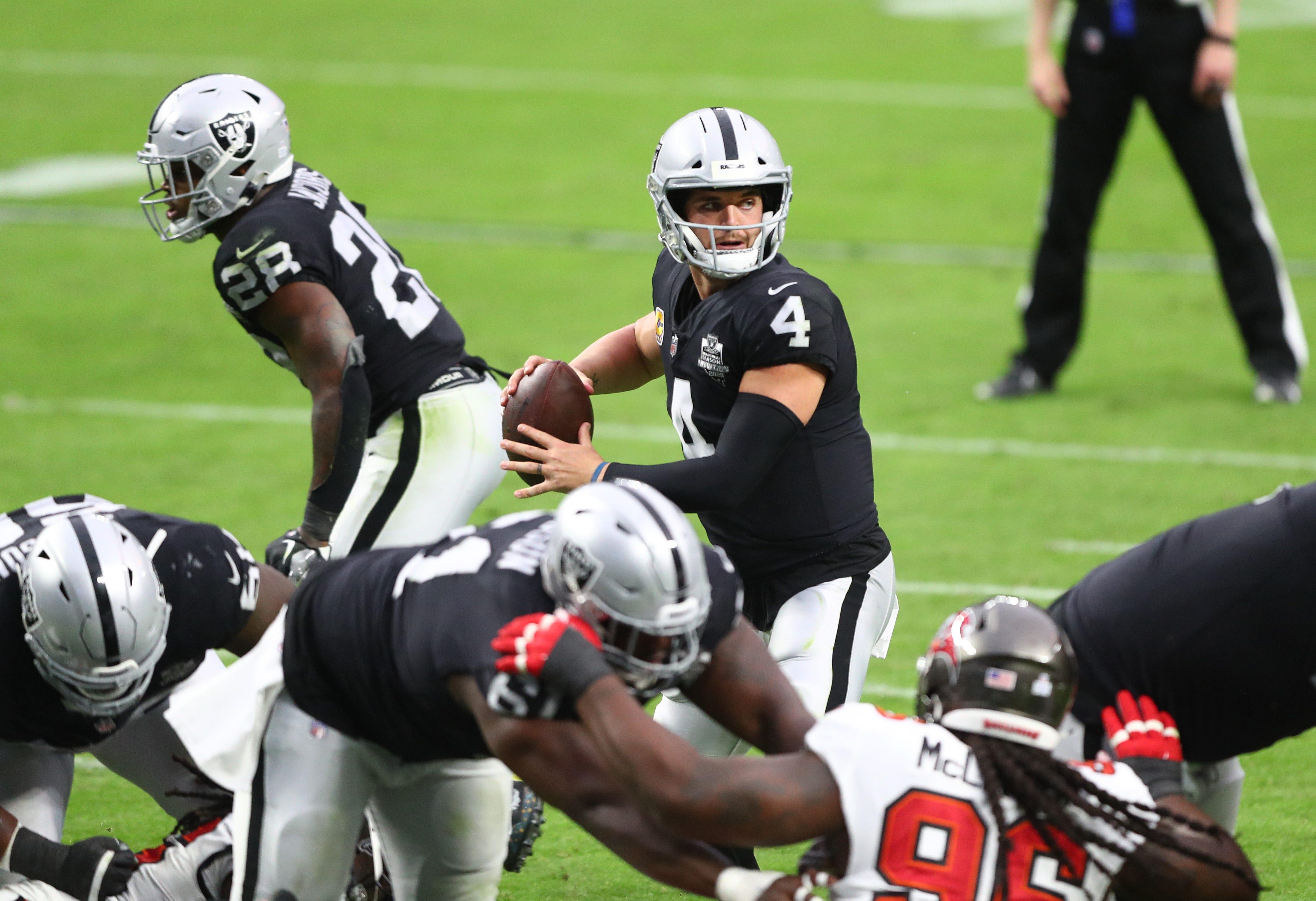 Derek Carr touts Raiders' offensive line after quarantine disrupts practice work