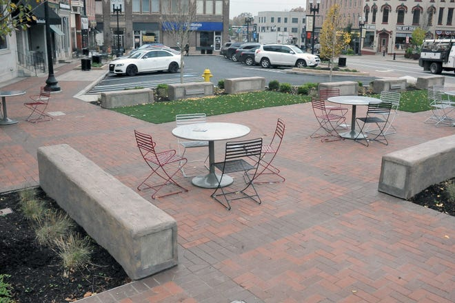 The southeast quadrant of the downtown streetscape project nears completion. The project was the second of five phases to renovate the original streetscape, which was completed in the 1990s.