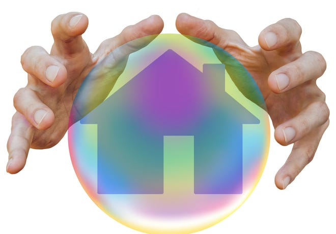 Repossessions, default notices and auctions dropped 12 percent to 27,016 in the third quarter of 2020 compared to the second quarter, and were down 81 percent from a year ago, according to a recent report from ATTOM Data Solutions.