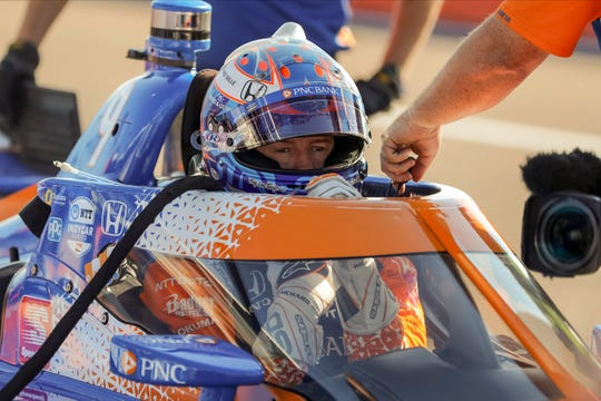Scott Dixon prepares to warm up for an IndyCar auto race Sunday, Oct. 25, 2020, in St. Petersburg, Fla.
