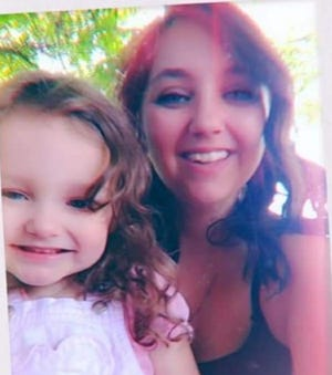 Selena Bradley and her daughter, Harley Hunter, pose for a photo.
