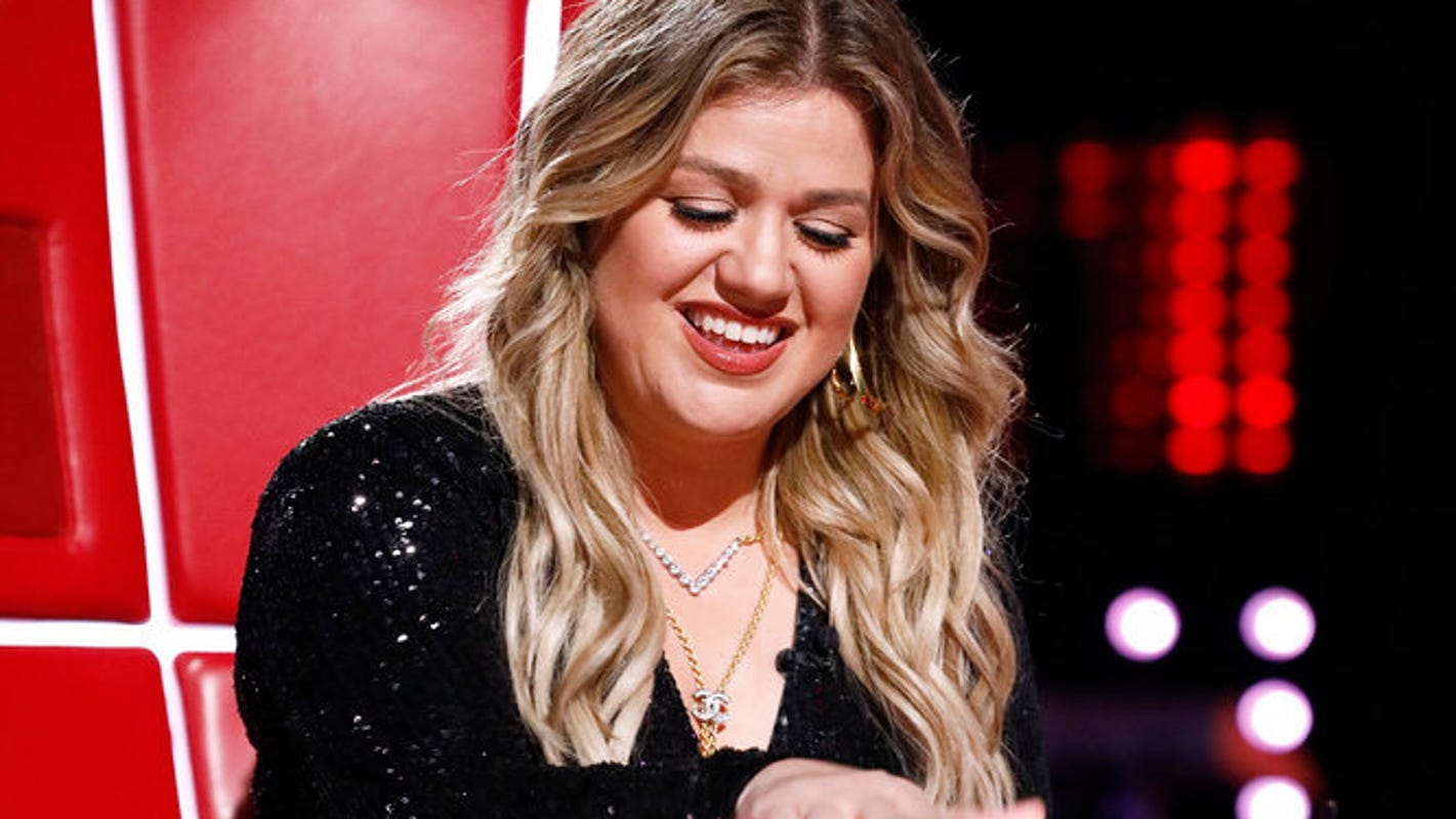 'The Voice': Kelly Clarkson is speechless after contestant 'sang the crap out of' her own song