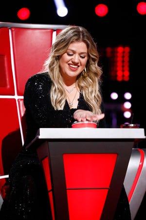 "Kelly Clarkson on ""The Voice."""