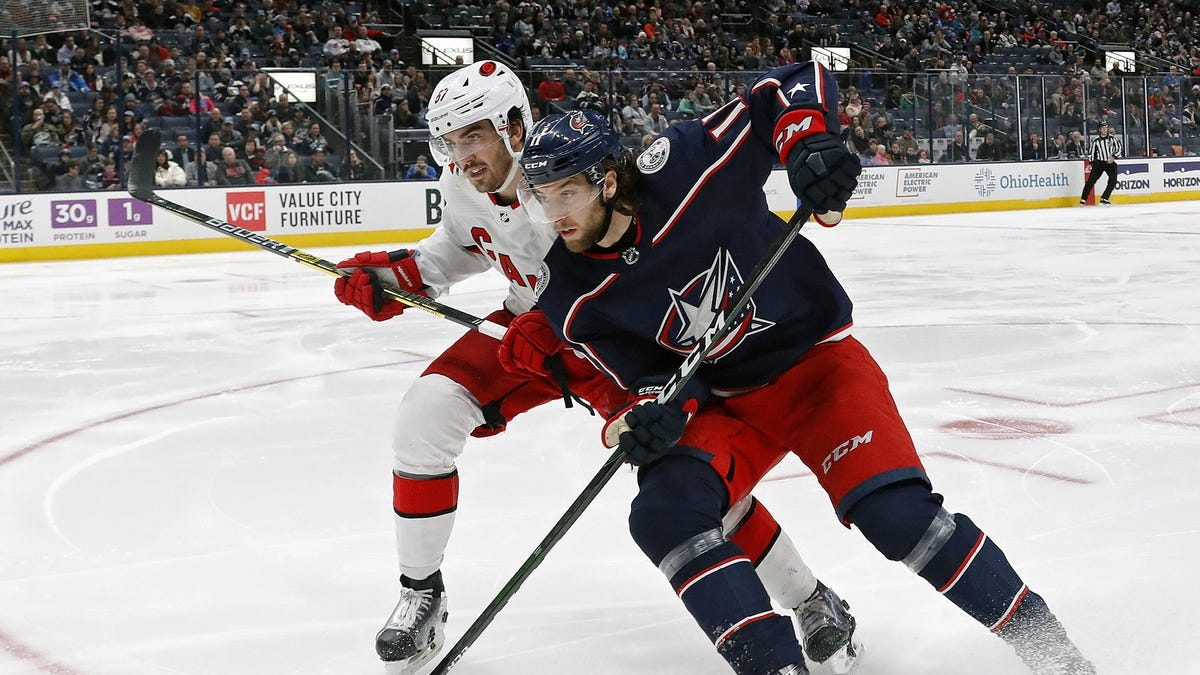 Blue Jackets' Kevin Stenlund re-signs, prospect Jacob Christiansen headed to European team