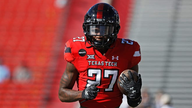 Texas Tech cornerback Alex Hogan (27), who played in 18 games for the Red Raiders the past two seasons, has committed to Houston as a transfer. [ASSOCIATED PRESS PHOTO]