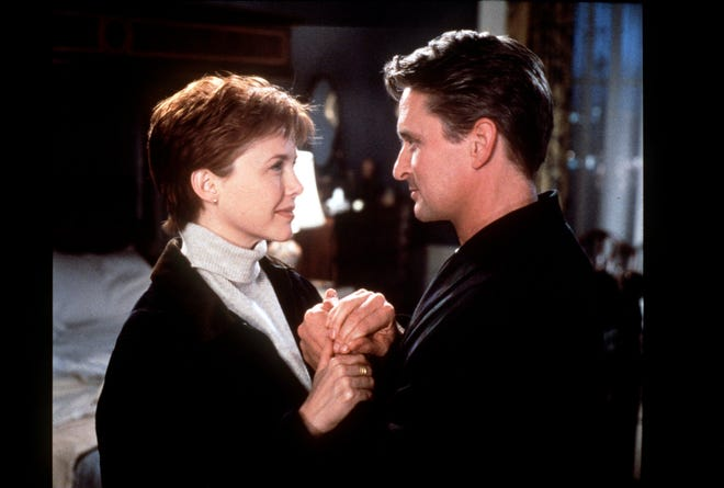 Annette Bening and Michael Douglas in The American President