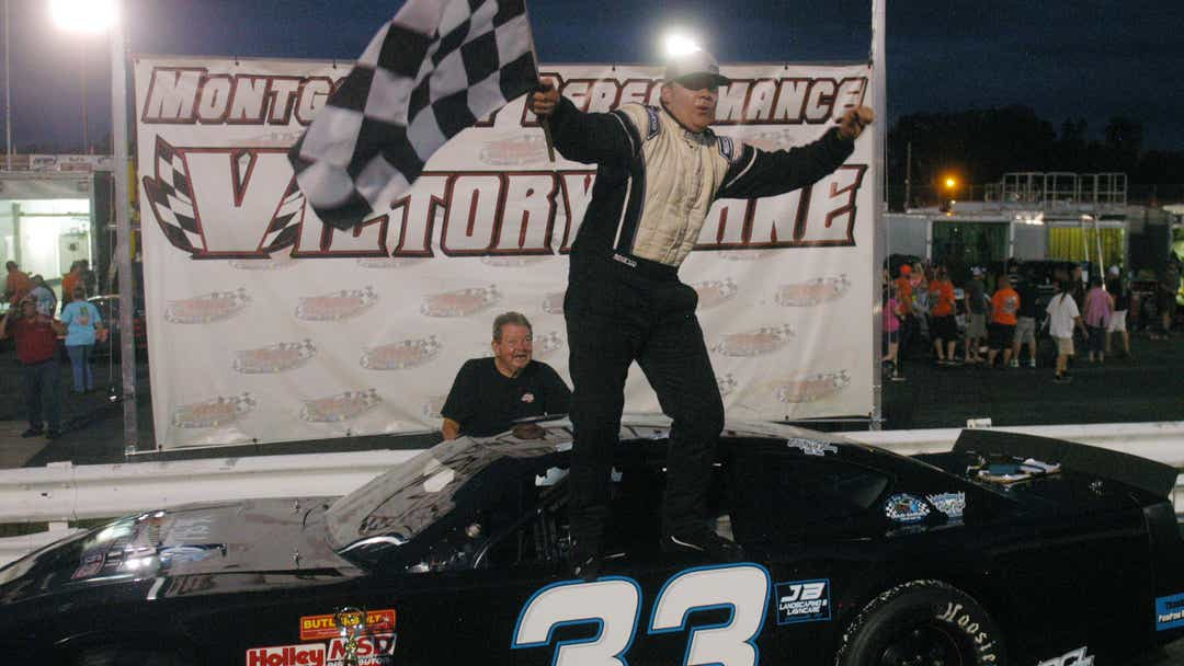 Harville, Tucker clean up with winning sweep at Ace Speedway