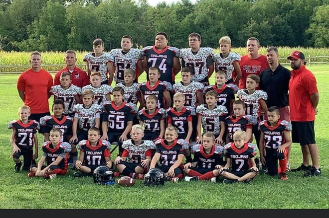 The Tusky Valley 3rd/4th grade football won the Super Bowl Sunday defeating Indian Valley 18-0 at Midvale. Tusky Valley was undefeated on the season only giving up 24 points in 9 games and 0 points in the last 6 games.