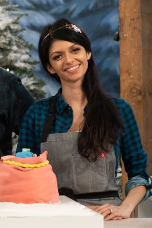 Mina Rivazfar-Hoyt will compete in season 2 of Holiday Wars on the Food Network