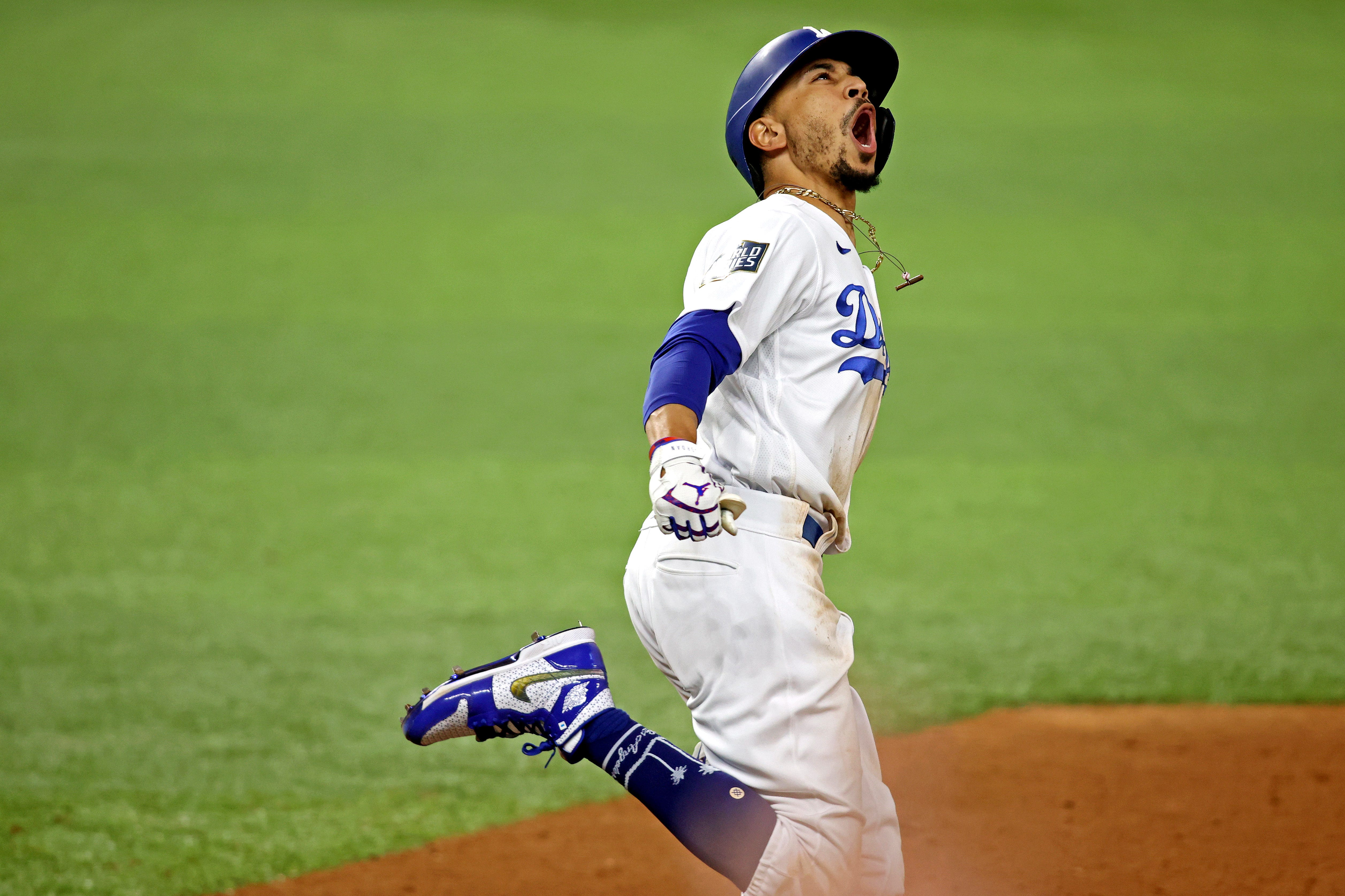 Dodgers defeat Rays in Game 6 to win first World Series title since 1988