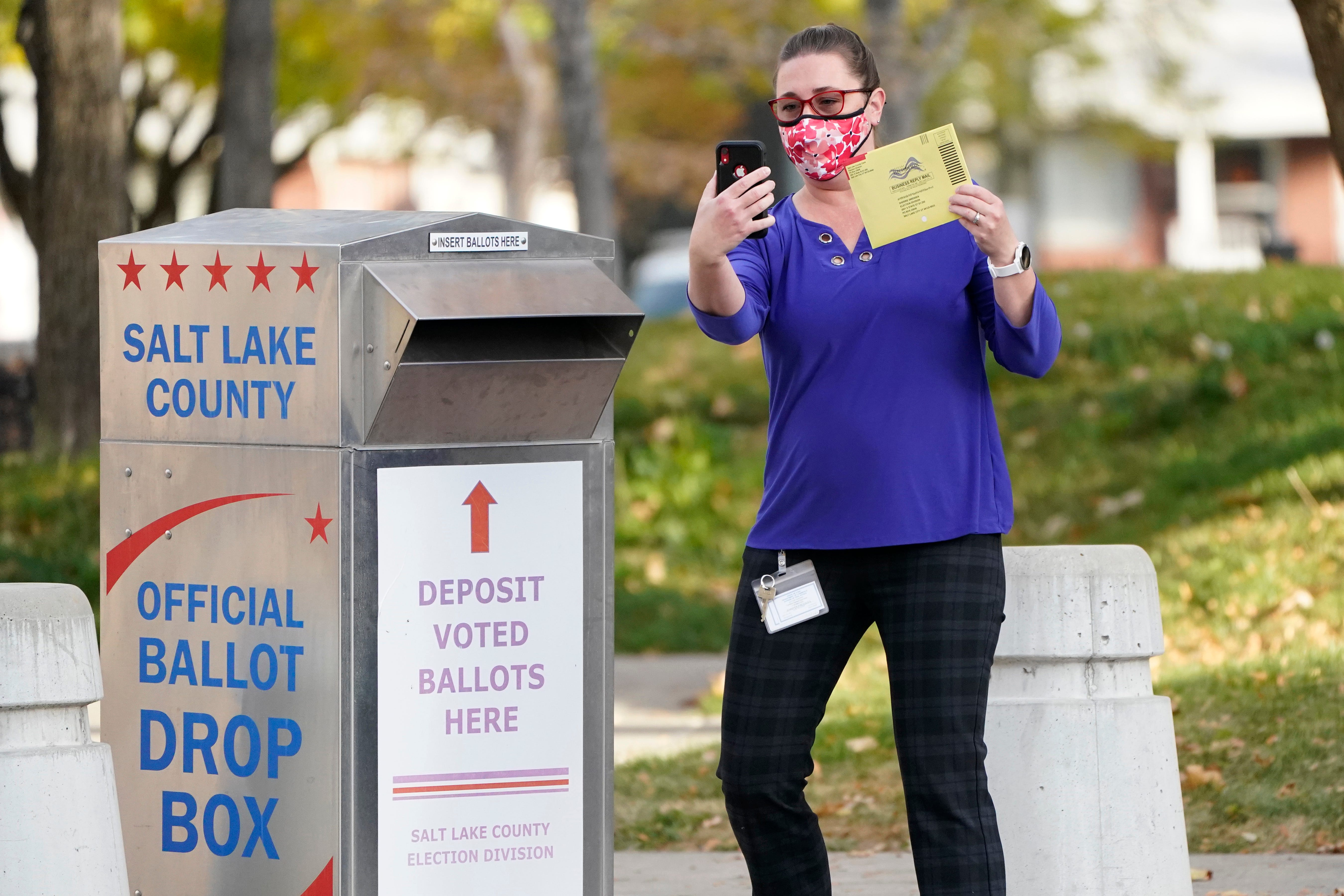 Are  ballot selfies  legal? Depends where you are voting, it s punishable in some states