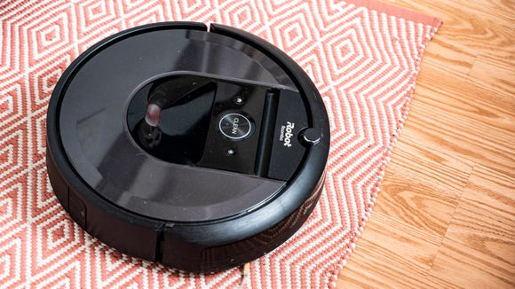 Best cat gifts: iRobot Roomba i7+