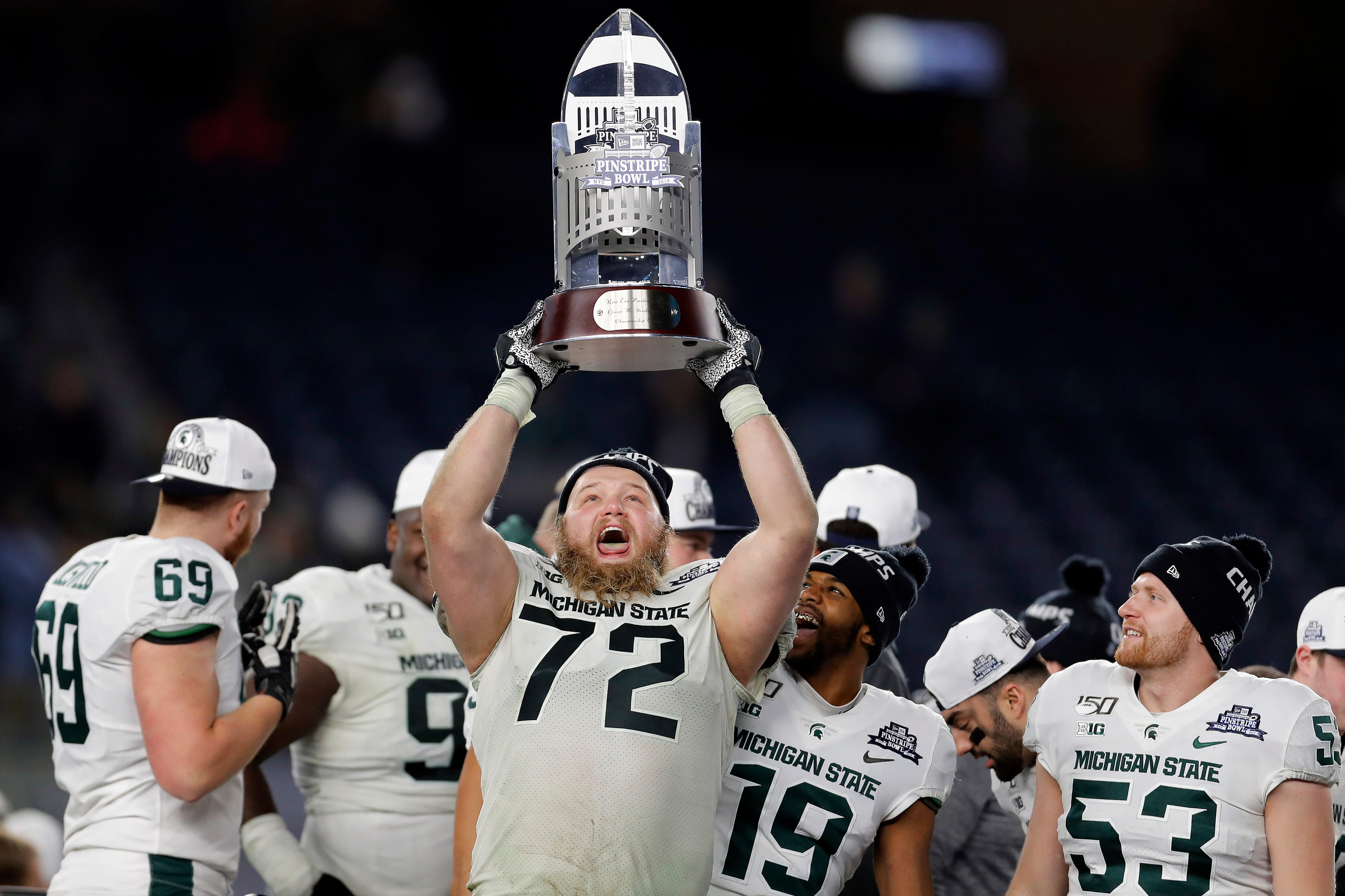 What to make of what should be a unique and uncertain college football bowl schedule