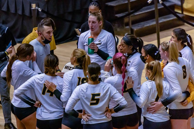 Missouri head volleyball coach Joshua Taylor speaks to his team between sets against Kentucky on Oct. 28 at the Hearnes Center.