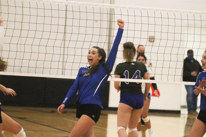Sami McDonald cheers as the Bulldogs score a point on Wednesday, Oct. 28, 2020, in the regional final in Stuart.