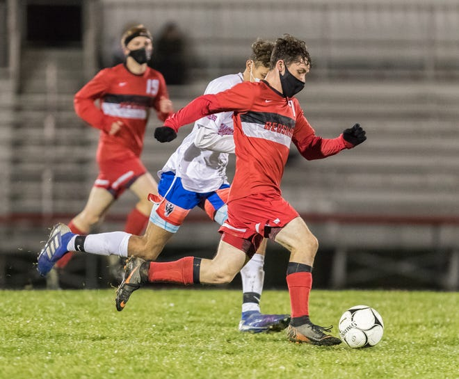 Canisteo-Greenwood's Anthony Loper (7) pushes the pace against Campbell-Savona Wednesday night.