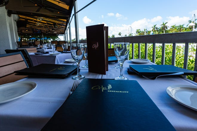 There are various al fresco dining options at Che Restaurant in Delray Beach. All come with a waterway view.