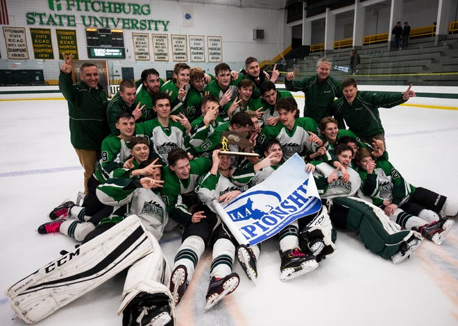 Wachusett celebrates after defeating Nashoba in the Central Mass. Division 3 final at the Wallace Civic Center last season. [T&G Staff File Photo/Ashley Green]