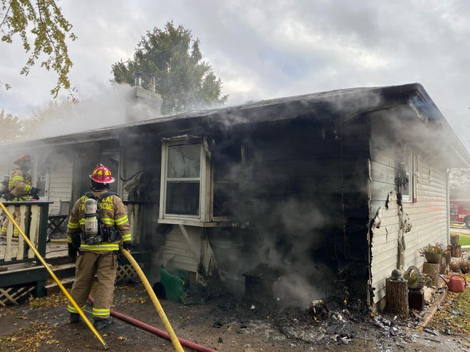 A Thursday morning fire at a residence at 594 E. Bank in Fond du Lac caused extensive damage to the home.