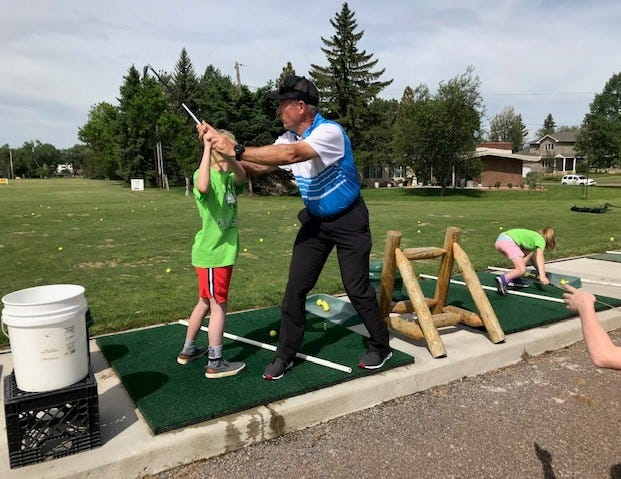 Dudley Beard, Jr., Golf Pro at Meadow Lark Country Club for 34 years, is retiring from MLCC to begin teaching the sport.