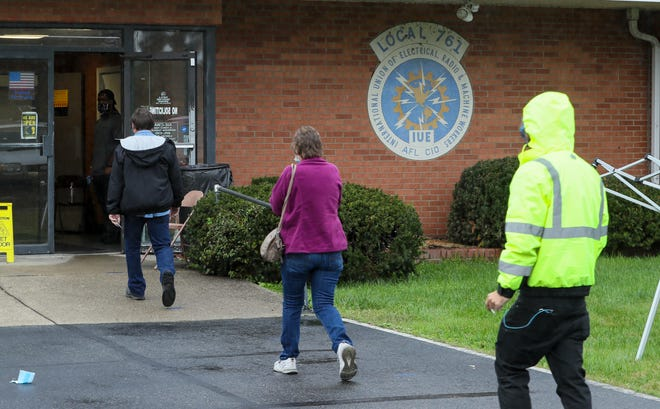 Members of IUE-CWA Local 83761 show up in a steady stream to vote on a new contract proposal on Thursday afternoon.