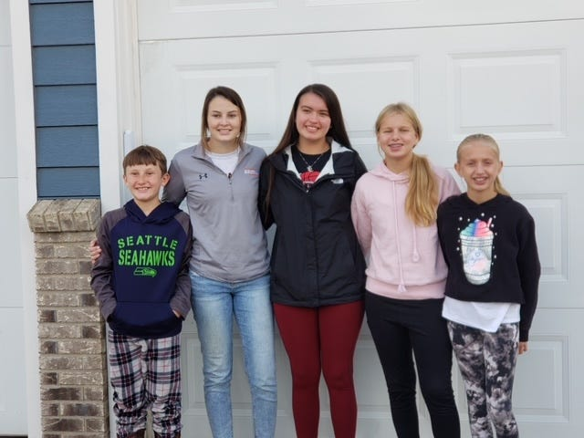 New 4H Sodbusters officers include (left-to-right): Jarron Kruger, VP; Cassidy Brach, Treasurer; Alexyss LaDeaux, President; Ellie Carlson, Secretary; Sydney Carlson, Historian.