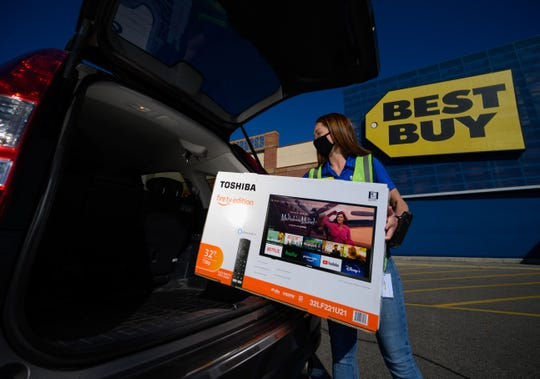 Like other retailers, Best Buy added curbside pickup amid the coronavirus pandemic.
