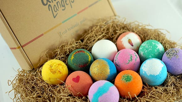 Best skincare gifts for beauty lovers: LifeAround2Angels Bath Bombs Gift Set