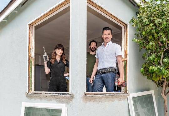 "Actress Zooey Deschanel joins her boyfriend, Jonathan Scott, and his ""Celebrity IOU"" co-host (and brother) Drew Scott for the HGTV series' second season."