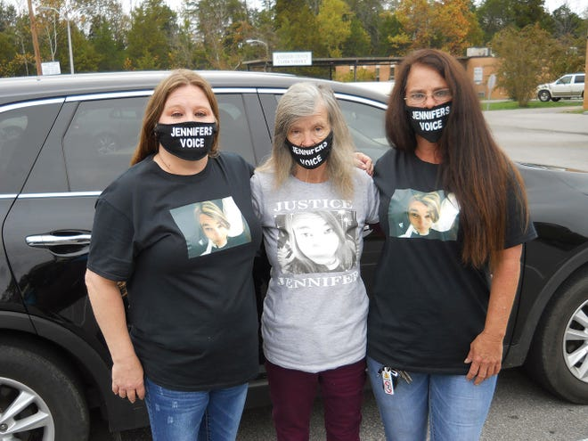 Family members of Jennifer Gail Paxton showed up Tuesday, Oct. 27, in Oak Ridge General Sessions Court for a status hearing on mental health evaluations for the two people accused of killing and torturing Paxton. From left are Paxton's cousin Beverly Jeffers, grandmother Mildred Cordy and aunt Gail Payne.