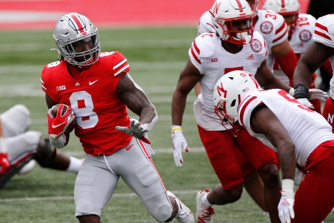 Running back Trey Sermon (8) leads No. 3 Ohio State against No. 18 Penn State on Saturday night.