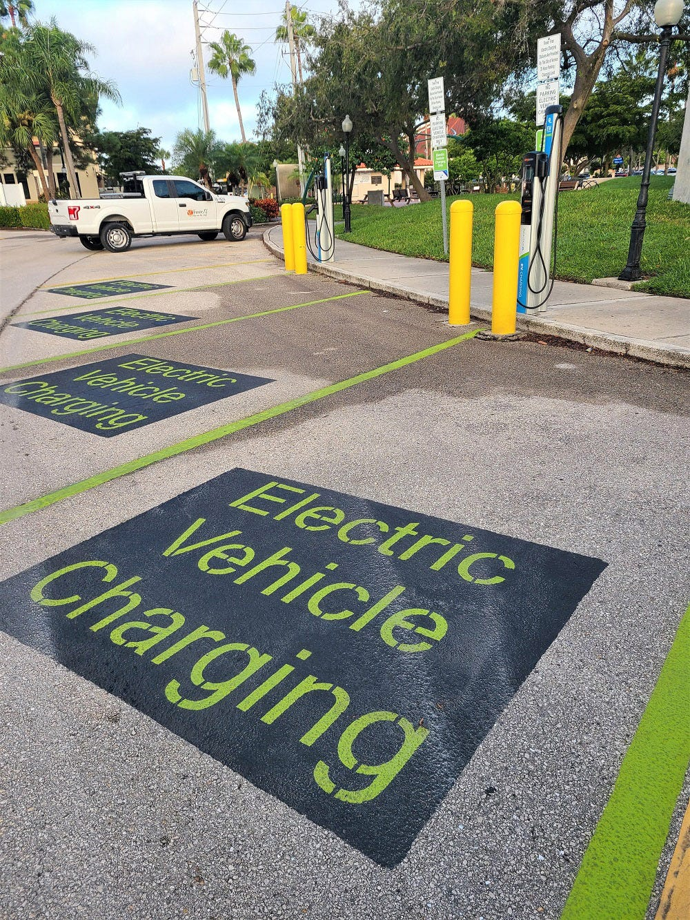 Venice And Florida Power Light Partner To Provide Free Ev Charging