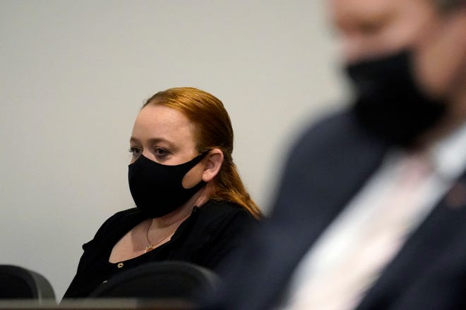 Kyle Rittenhouse's mother, Wendy Rittenhouse, attends an extradition hearing for her son on October 30 in Lake County, Illinois.  Rittenhouse is alleged to have killed two protesters after Jacob Blake was shot dead by police in Kenosha, Wisconsin.  He is currently being held in Kenosha County Jail with bail set at $ 2 million.