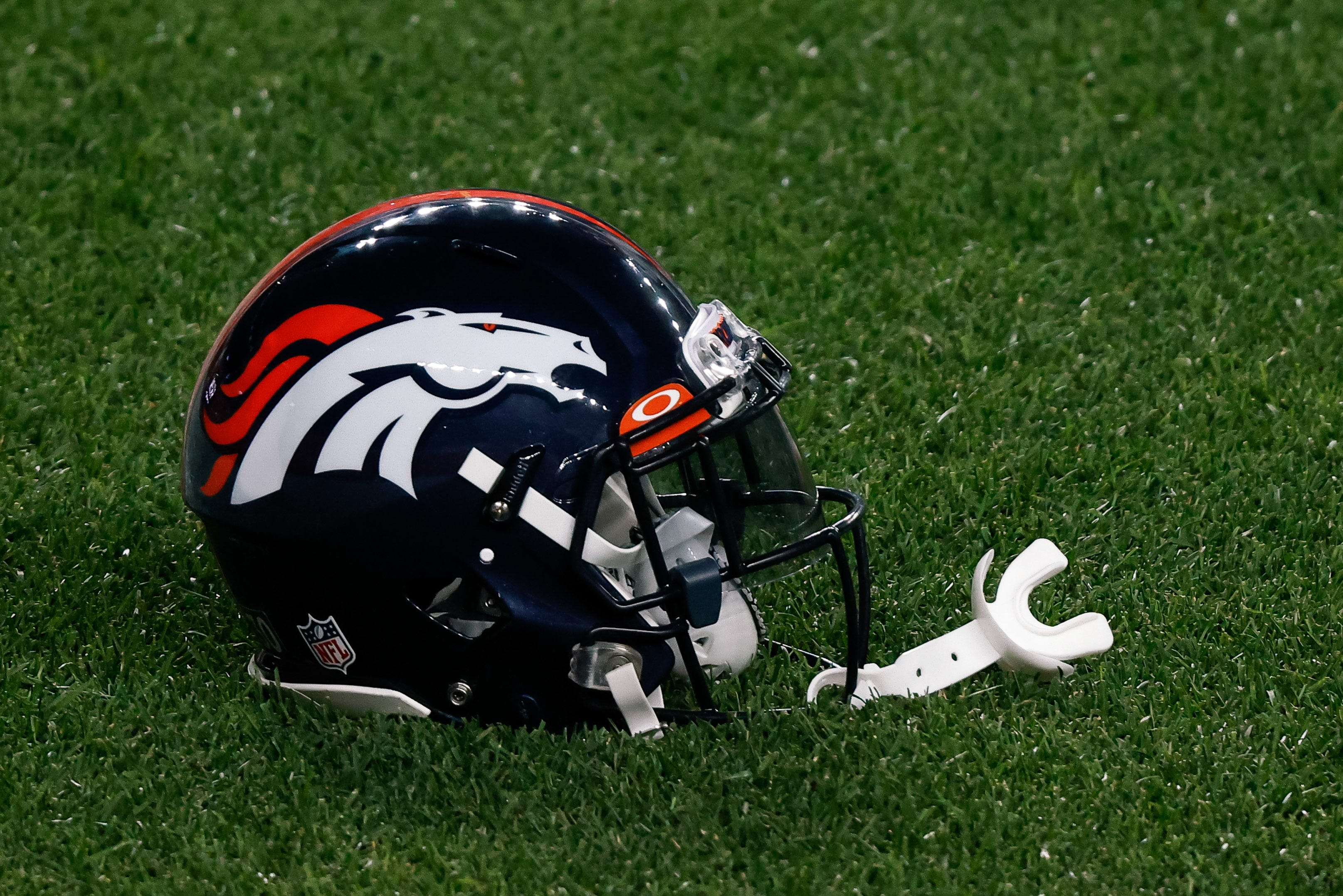 Denver Broncos close facility Friday after positive test; 3 players in isolation