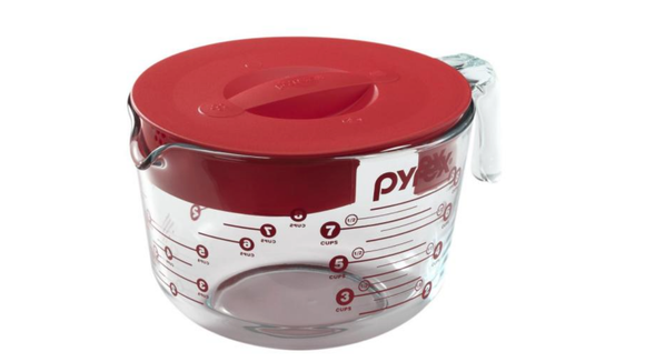 Best Home Depot gifts: Pyrex measuring cup