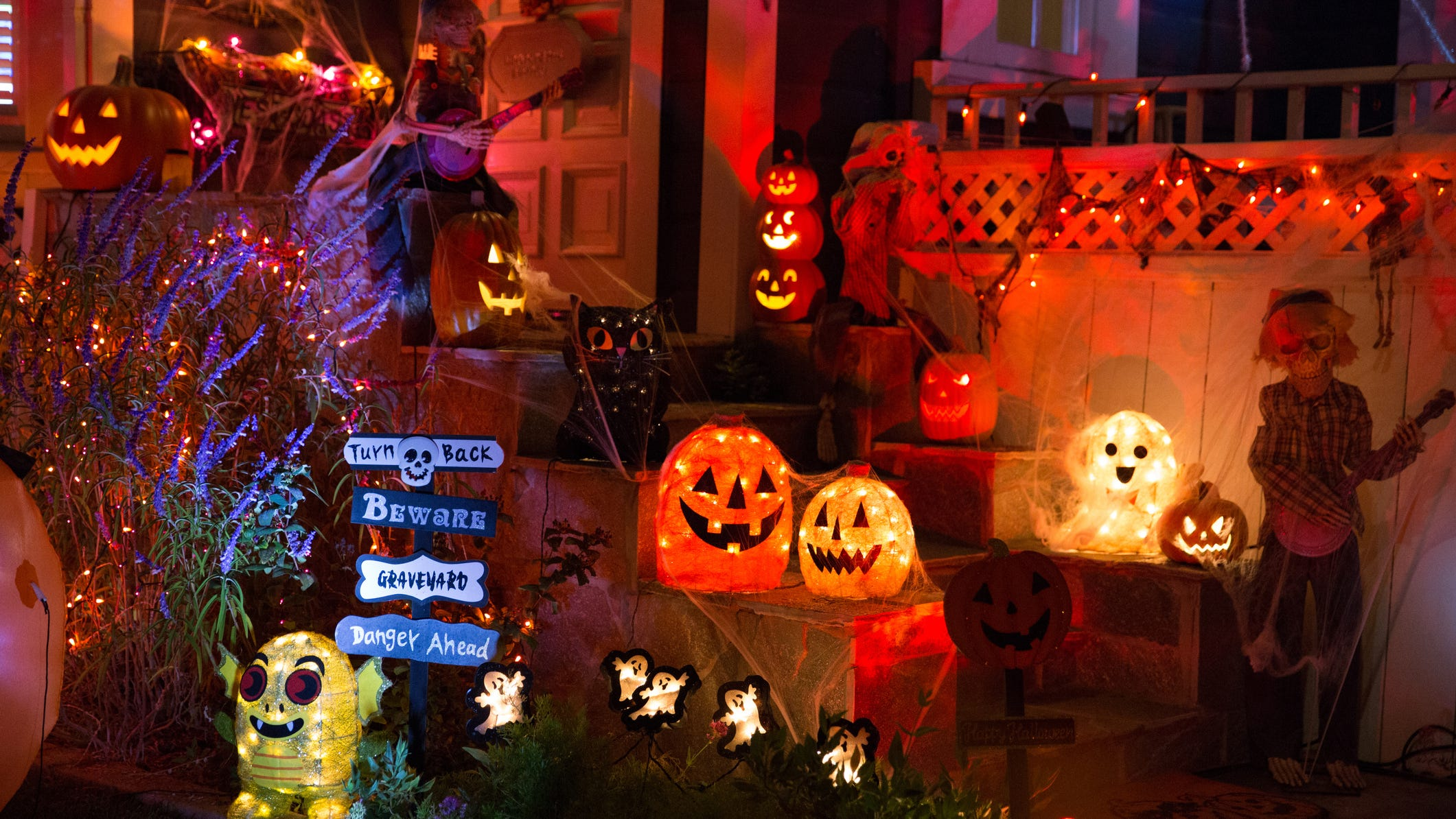 You can get massive discounts on Halloween decorations, candy and more for next year now