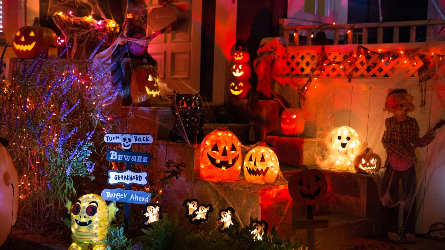 Halloween sale: Save big on decorations and more for next year