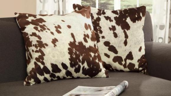 Best Home Depot gifts: Throw pillows