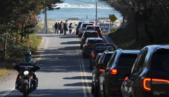 Traffic fills up Beach Road heading to Nauset Beach, which played host to the Orleans fall town meeting.