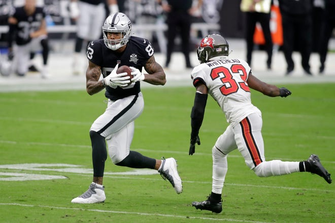 Las Vegas Raiders tight end Darren Waller (83) has 40 receptions, which ties him for the NFL lead at the position with Travis Kelce of Kansas City.