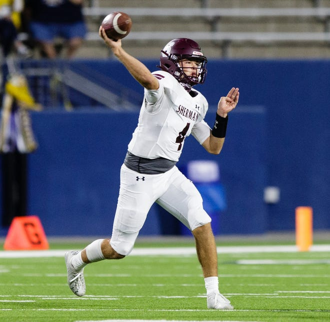 Sherman quarterback Tate Bethel threw a pair of touchdown passes during the Bearcats' loss against Highland Park.