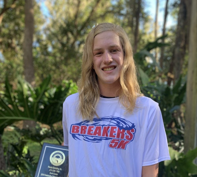 Jeffrey Wolfe, a member of the Tekmasters Swim Club and the West Port swim team, has earned recognition as the 13-year-old, Long Course Meters Oustanding Swimmer of the Year for the 2019-20 season.