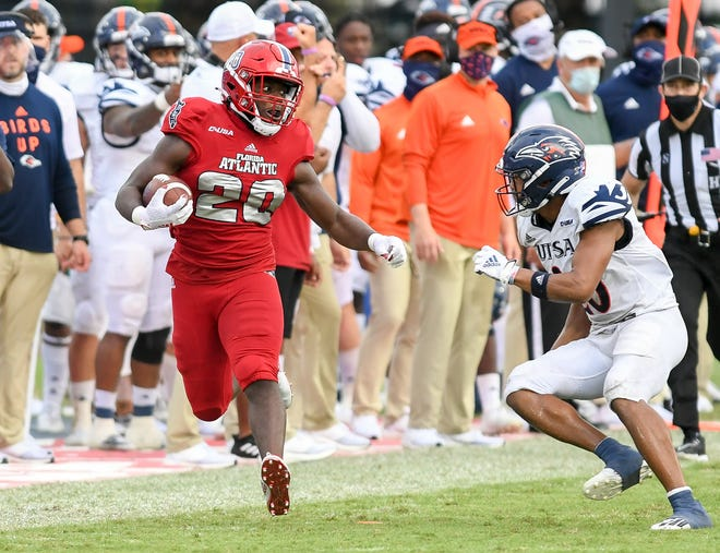 FAU running back Malcolm Davidson rushed for 115 yards on 14 carries.