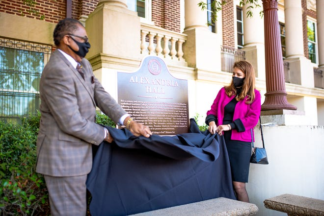 City of Alexandria Mayor Jeff Hall and Susan Broussard, chief of staff for Hall and a 1992 alumna of LC, unveiled a marker outside of Alexandria Hall, marking the 100-year anniversary of its establishment. Broussard is a 1992 alumna of LC.