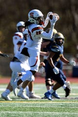 Somerville wide receiver Jaimen Bryant makes a catch against Old Tappan on Saturday, Oct. 31, 2020. Somerville defeated Old Tappan, 44-28.