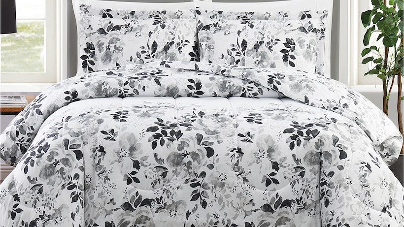 Bedding sets are more than half off at Macy's right now with free shipping