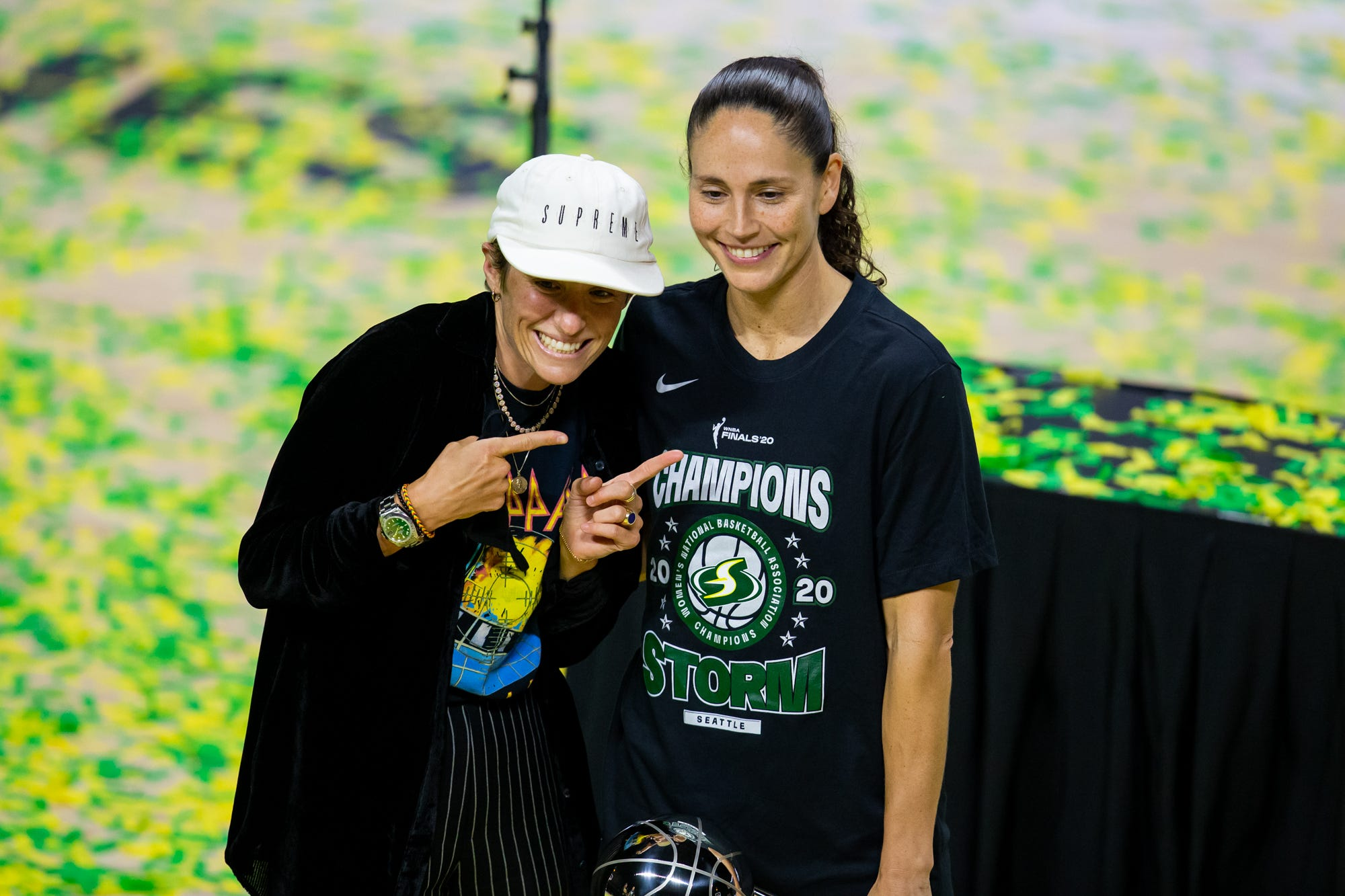 WNBA star Sue Bird, USWNT stalwart Megan Rapinoe announce their engagement